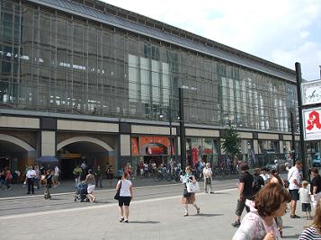 Alexanderplatz train station