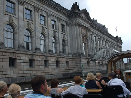 tour with the boat along museum island