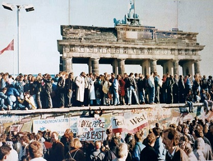 fall of the wall in berlin